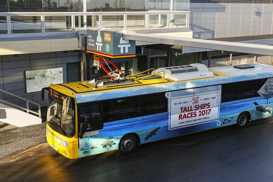 sähköbussi lentoasemalla_0