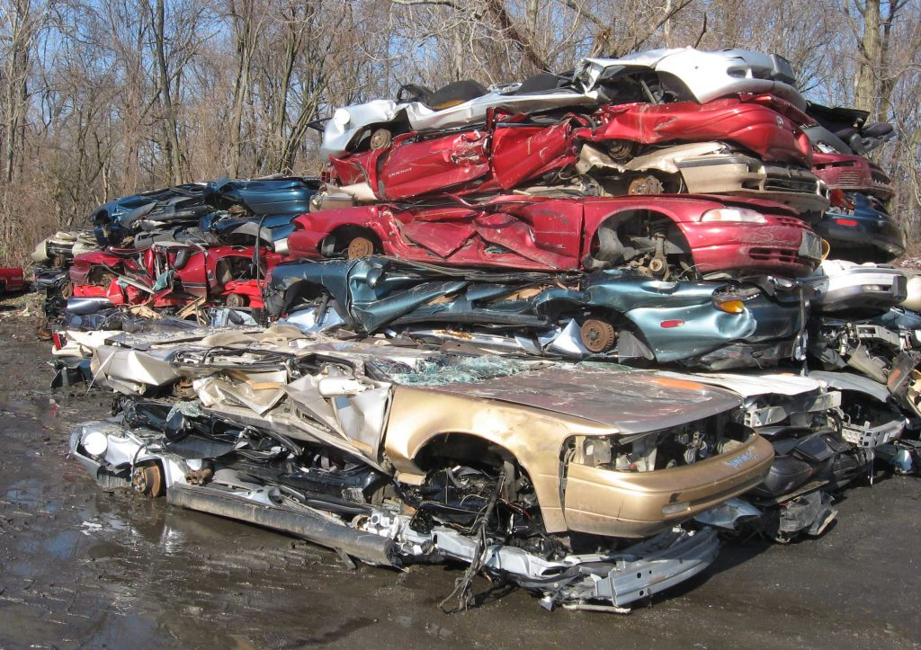 Auto_scrapyard_1