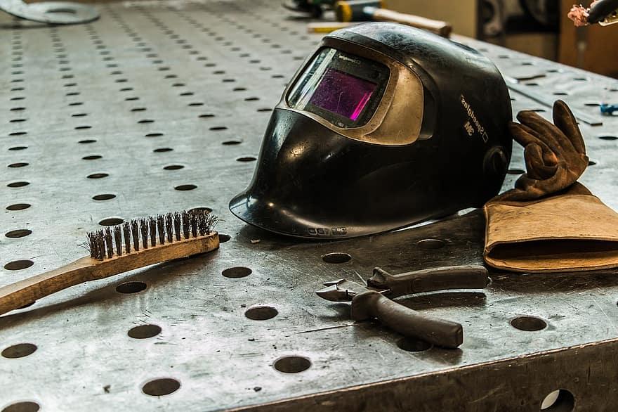 work-material-vacancy-work-welder-job-profession-employment-training-safety-at-work